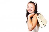 Kobieta z torbą na zakupy